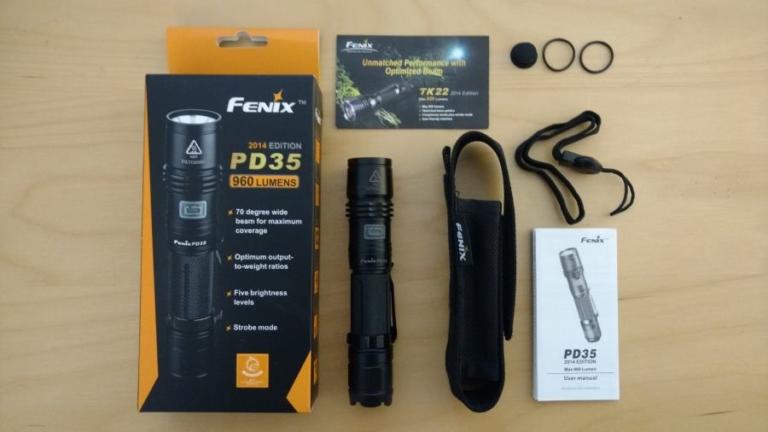 Die Fenix PD35 LED Taschenlampe mit Zubehör