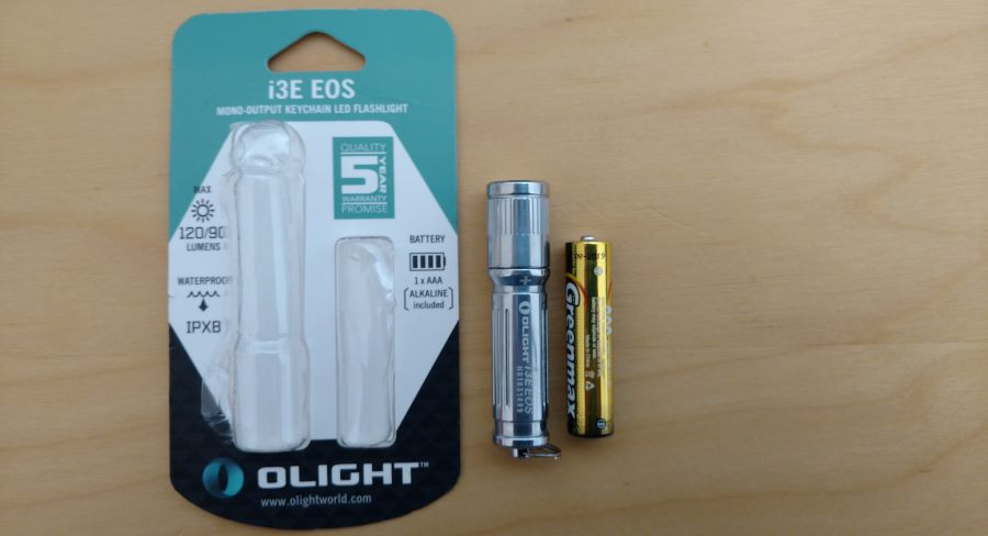 Olight I3E EOS Mini LED Taschenlampe Silber mit Verpackung