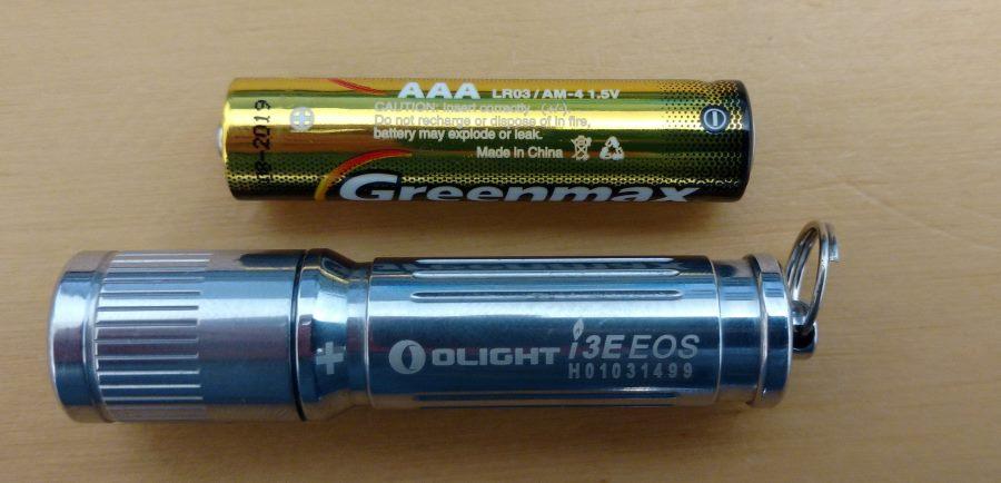 Olight I3E EOS Mini LED Taschenlampe - Silber