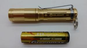 Olight I3S-CU EOS Mini LED-Taschenlampe mit AAA Batterie