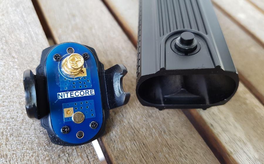 Nitecore SRT9 Taktische Taschenlampe mit neuem Batteriedeckel