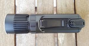 Nitecore SRT9 Taktische Taschenlampe mit großem und stabilem Clip