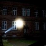 Olight M3XS-UT Javelot Beamshot Gebäude