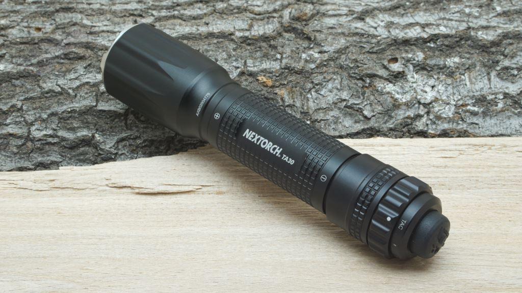 Taktische Taschenlampe Nextorch TA30