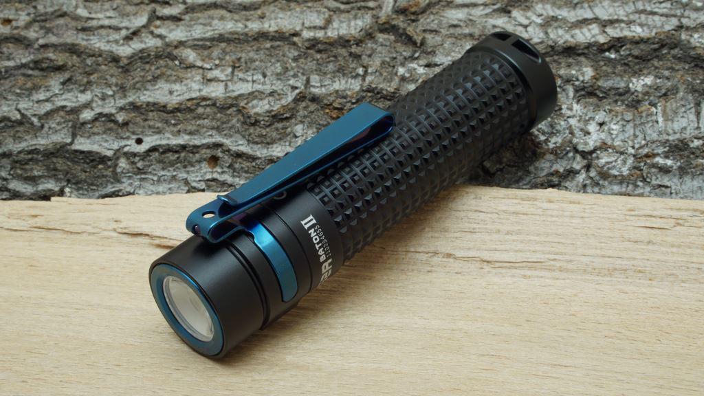 Die Olight S2R Baton II von vorne