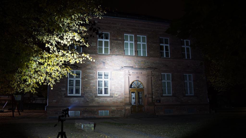 Die Rofis MR30 leuchtet ein Museum an