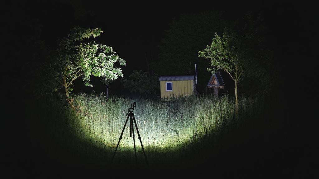 Jagd Taschenlampe Ledlenser MT14 Beamshot defokussiert