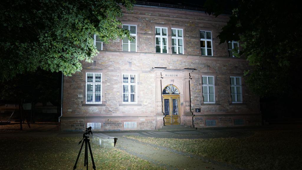 Emisar D4V2 Beamshot Gebäude
