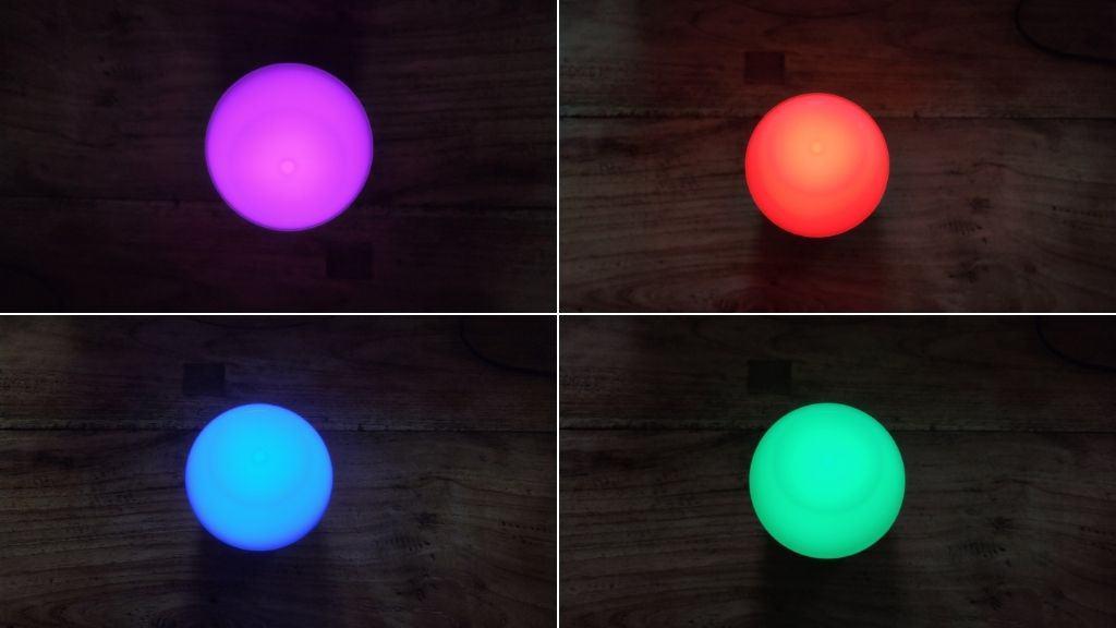 Aukey Nachttischlampe leuchtet in verschiedenen Farben