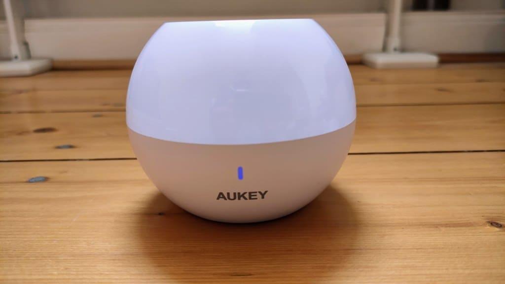 Aukey Nachttischlampe im Test