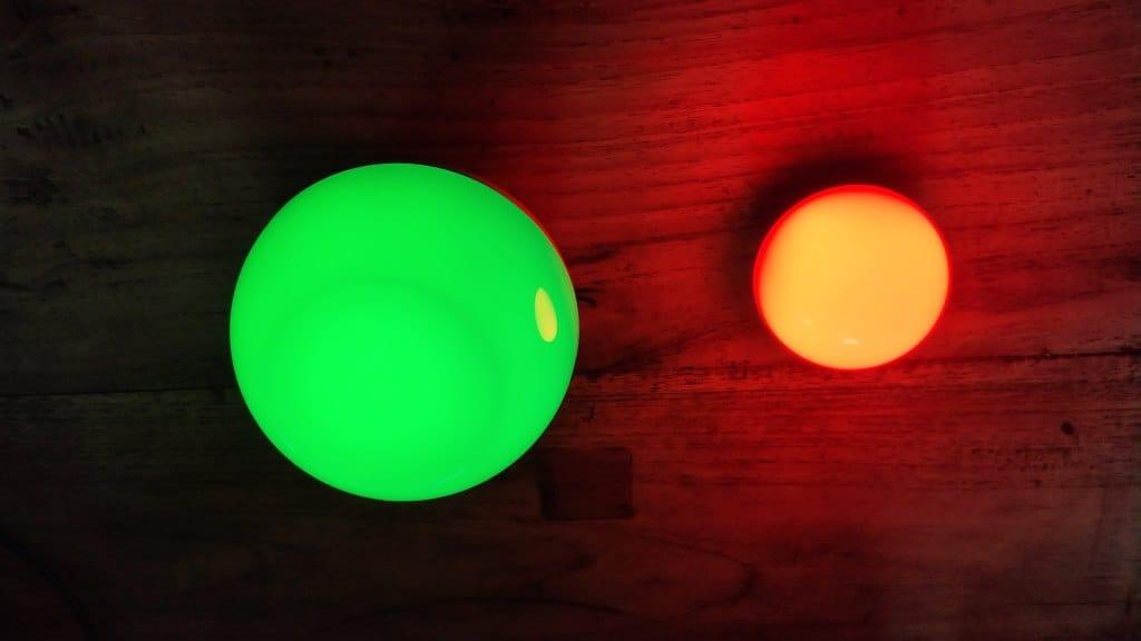 OLIGHT Obulb und AUKEY Nachttischlampe mit farbigem Licht